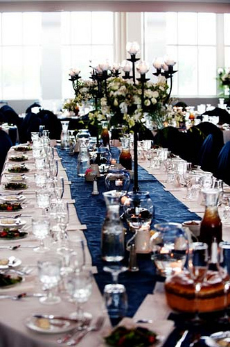 how to set up a catering table 5