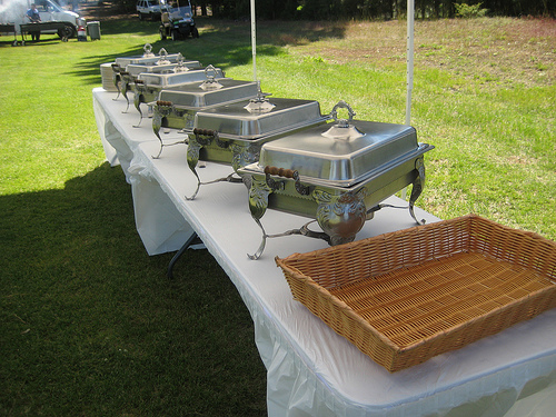 how to set up a catering table 6